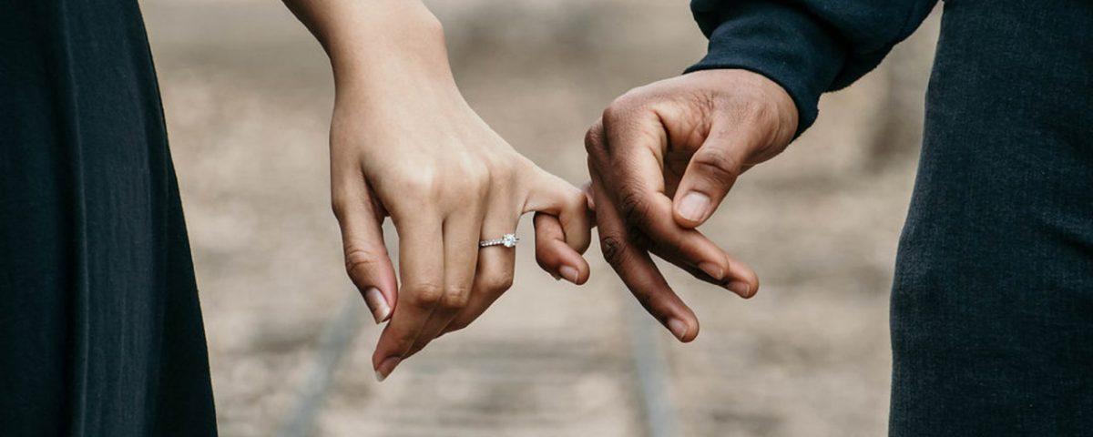 Principais dicas para casais ao alugar o primeiro imóvel (Foto de Jasmine Carter no Pexels)